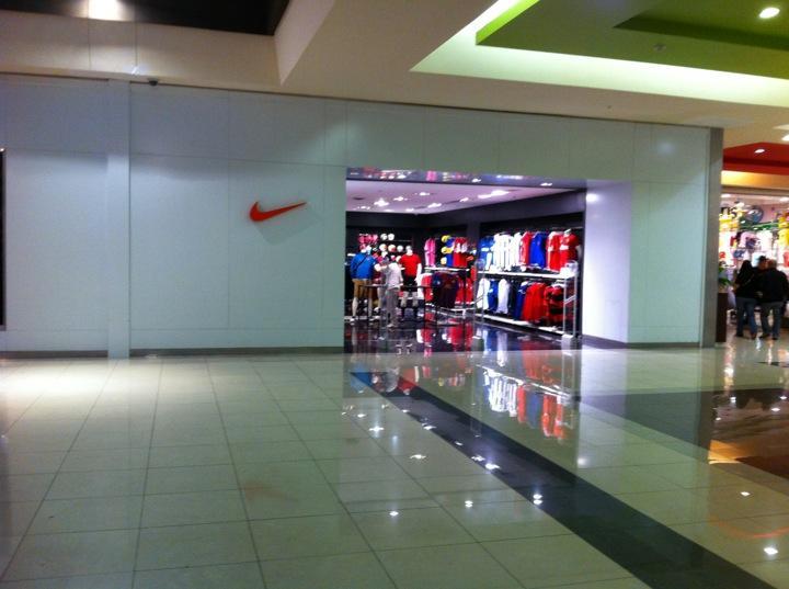 Run Club Chile » Nike Shop Arauco Maipú dd15bb433b81d